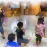 フラリング(フラフープボーリング) 、みんなで輪くぐり、バランスフラフープでたのしむ/たのしい出前児童館!