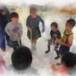 出前児童館 充実メニューで大好評 キッズヨガ&ものづくり&アクションゲーム&読み語り/こども達の笑顔の向きに